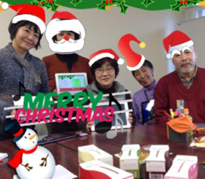 FB121213iPad Cafe