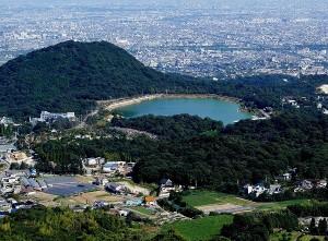 鷲林寺から望む甲山