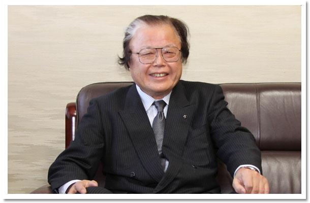 代表取締役社長 荒川臣男