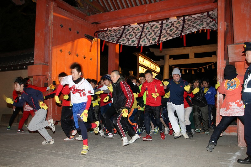 2016開門神事 福男選び