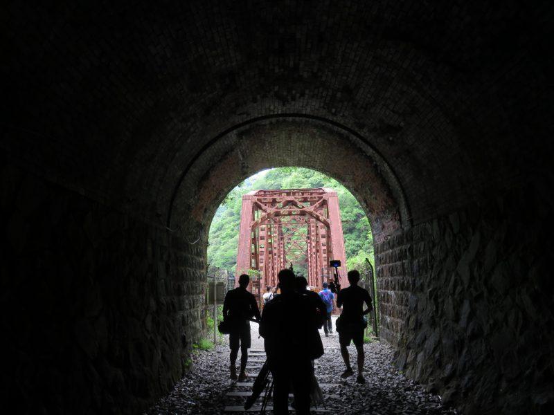 トンネルと鉄橋