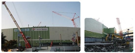 2008年秋、新しい銀傘に生まれ変わるために、古い物が取り外された。(銀傘の無い甲子園球場。)