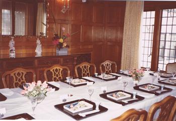 サンフランシスコ総領事館公邸の食卓風景