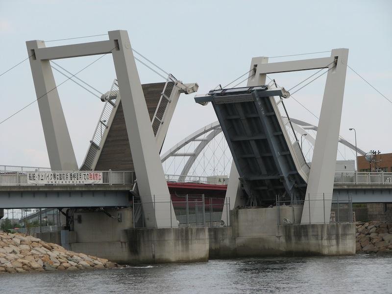 跳ね橋 マリーナパークシティ
