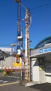 甲子園駅東口にあった架線柱