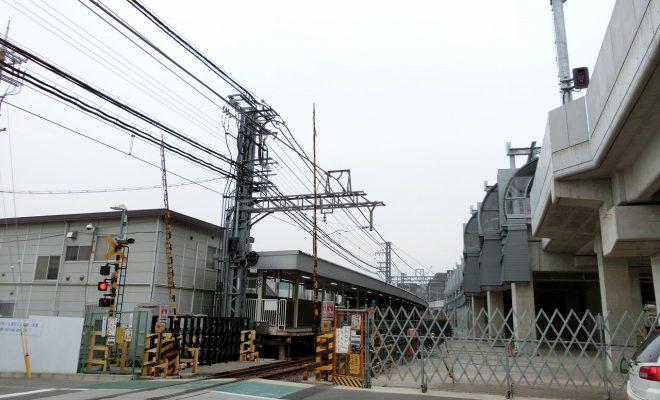 鳴尾駅 高架前